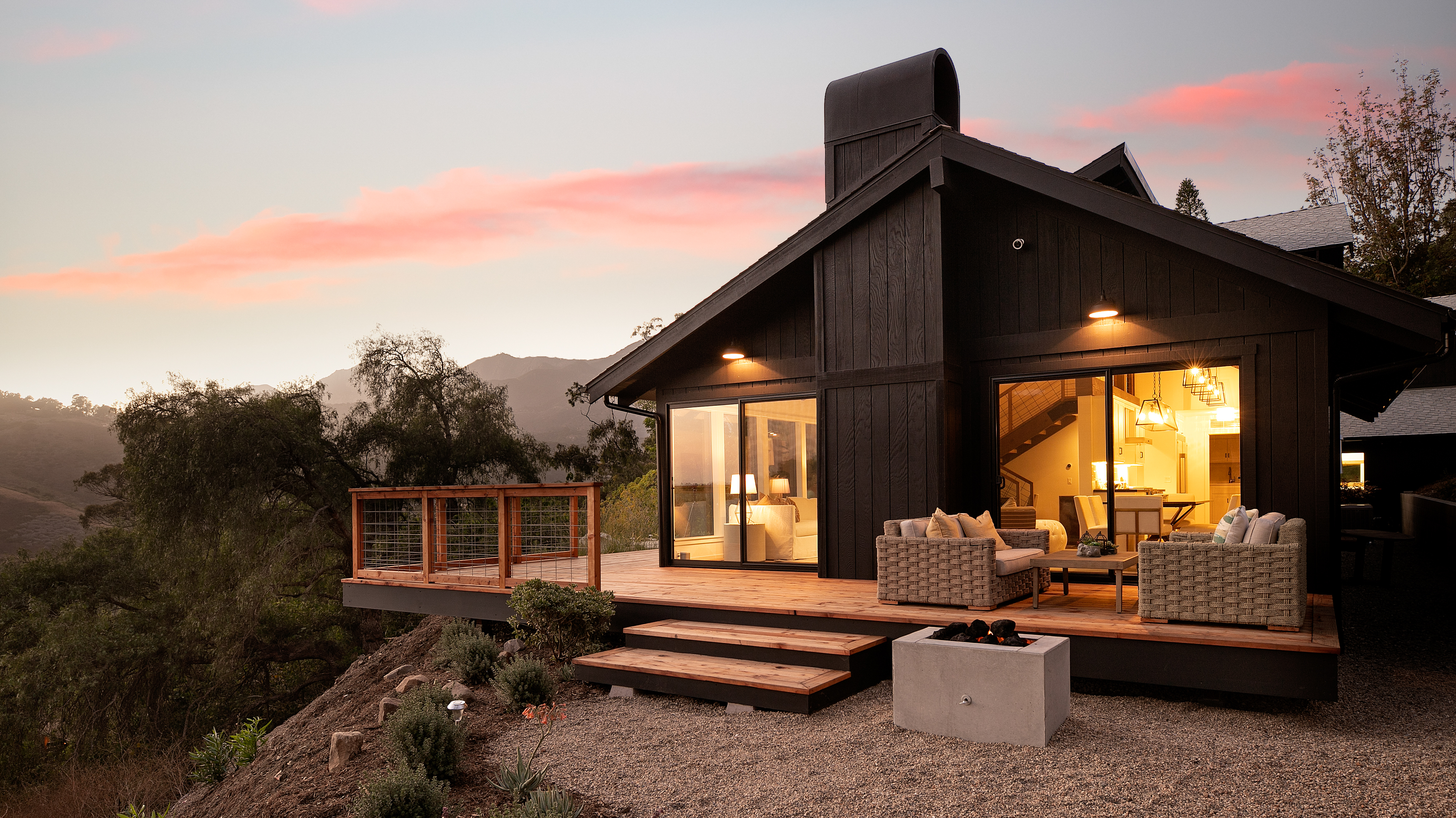 Canyon House-HERO-Side Facade and mountain view